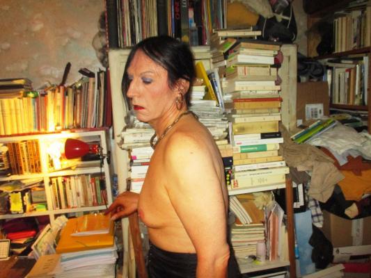seins de vieilles trans soumise